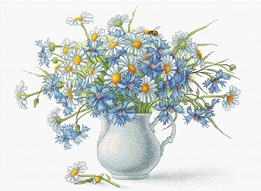 .Cornflowers and Camomile (Luca-S B2275)
